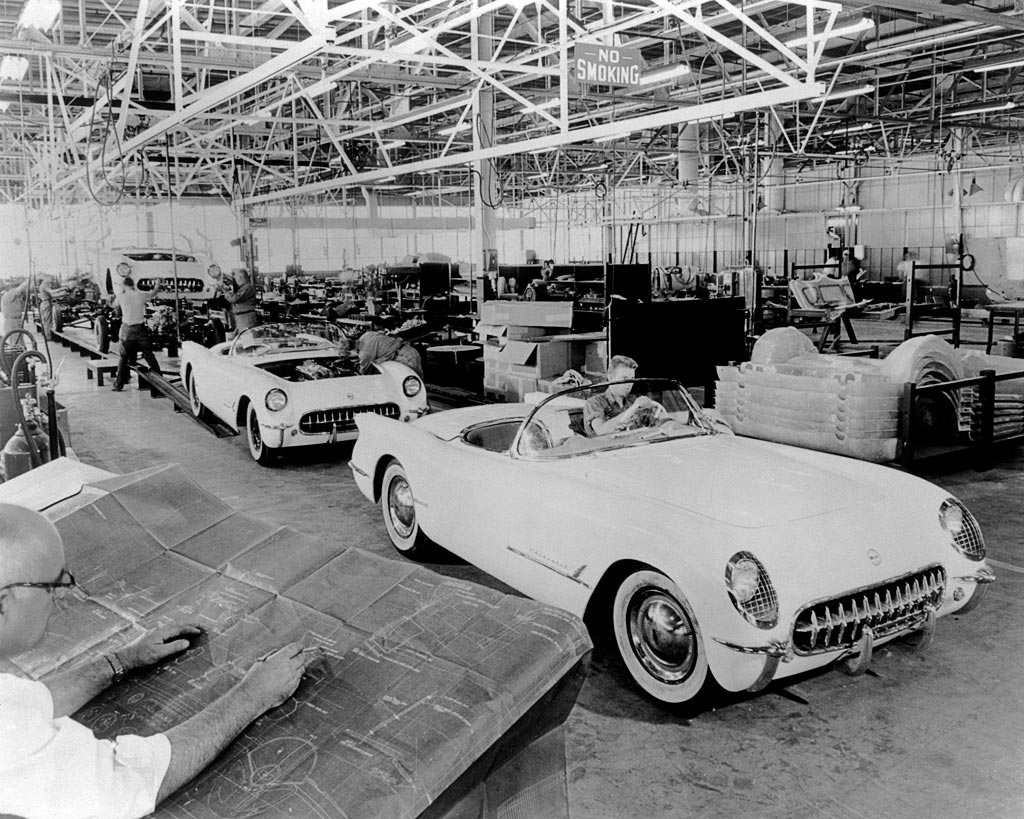 history of the corvette essay Chevrolet models & history 41 in production 24 discontinued history   shortly after the introduction of the fully automatic transmission, the legendary corvette was born.