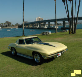 1967 Corvette Coupe C2 - Tree is clear of roof