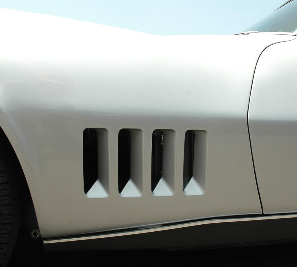 1968 Corvette The C3 A Complete New Body Style Is Introduced Chevrolet Project Car Side Fender Without Stingray Emblem