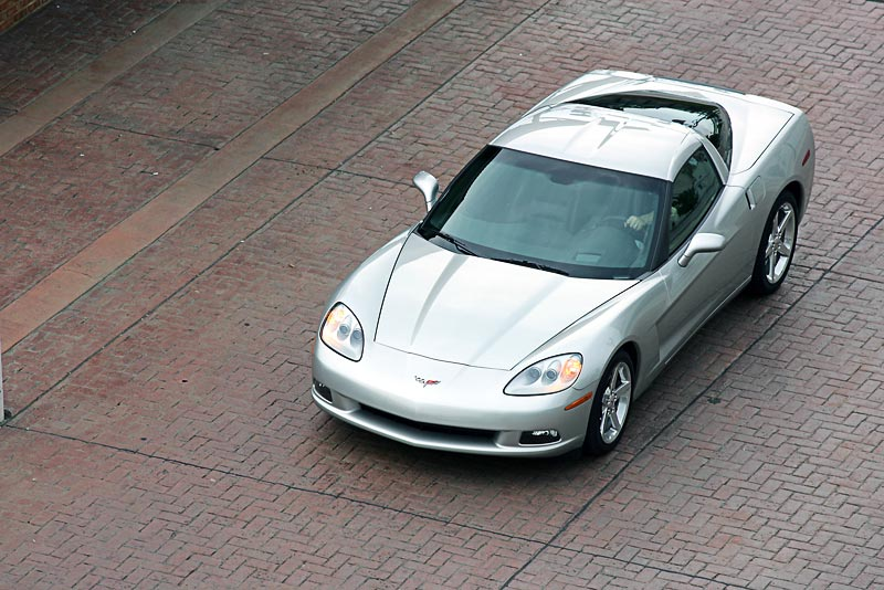 2005 corvette c6 new generation corvette seeks wider audience. Black Bedroom Furniture Sets. Home Design Ideas