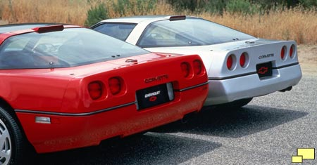 Corvette ZR-1 (red) and standard issue Corvette